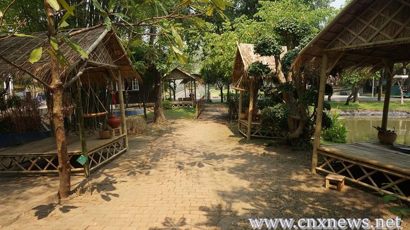อุทยานหลวงราชพฤกษ์ตามรอยออเจ้าชวนคนเที่ยวเล่นน้ำสงกรานต์สวยงามอย่างไทย