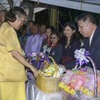 มาดามแมงโก้ ทูลเกล้าฯถวายผลิตภัณฑ์ผลไม้แปรรูป แด่สมเด็จพระเทพรัตนราชสุดาฯ สยามบรมราชกุมารี